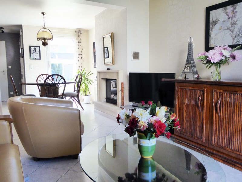 Vente maison / villa Maurepas 325500€ - Photo 3