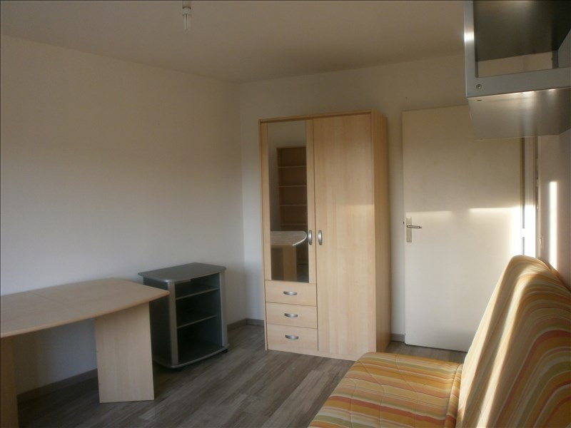 Location appartement Jouy le moutier 630€ CC - Photo 2
