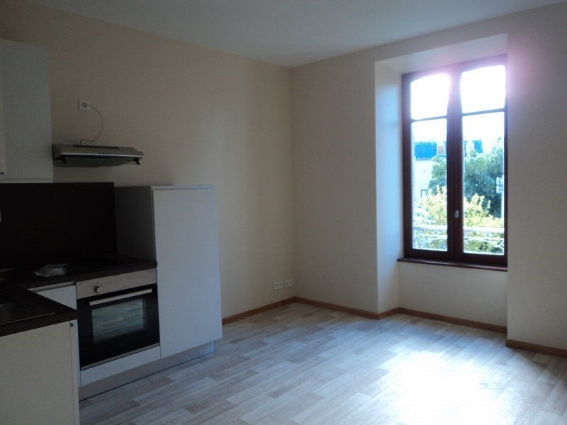 Location appartement Laissac 290€ CC - Photo 2