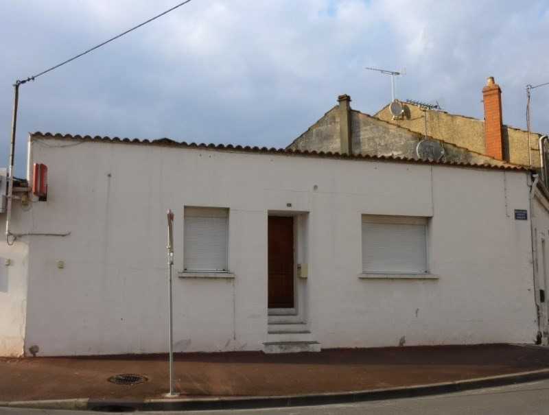 Sale building Saintes 155 500€ - Picture 1
