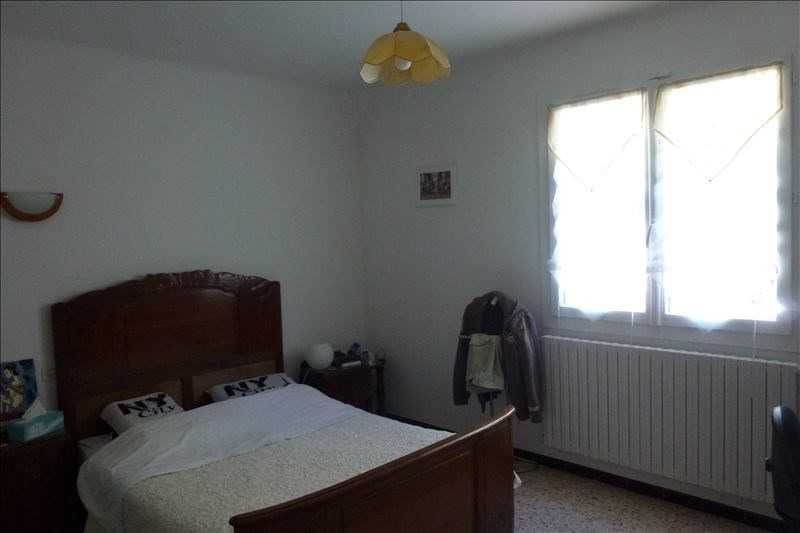 Rental house / villa Lambesc 1 400€ CC - Picture 3