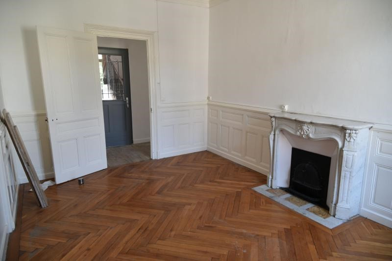 Rental apartment Oyonnax 630€ CC - Picture 1
