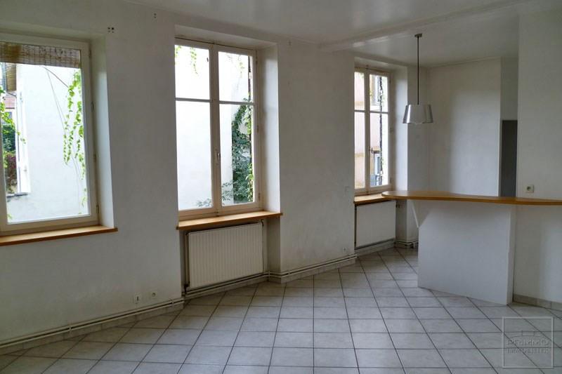 Rental apartment Lyon 4ème 855€ CC - Picture 2
