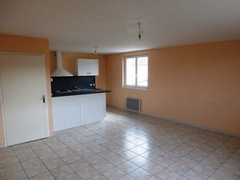 Rental apartment Alentours de mazamet 423€ CC - Picture 1