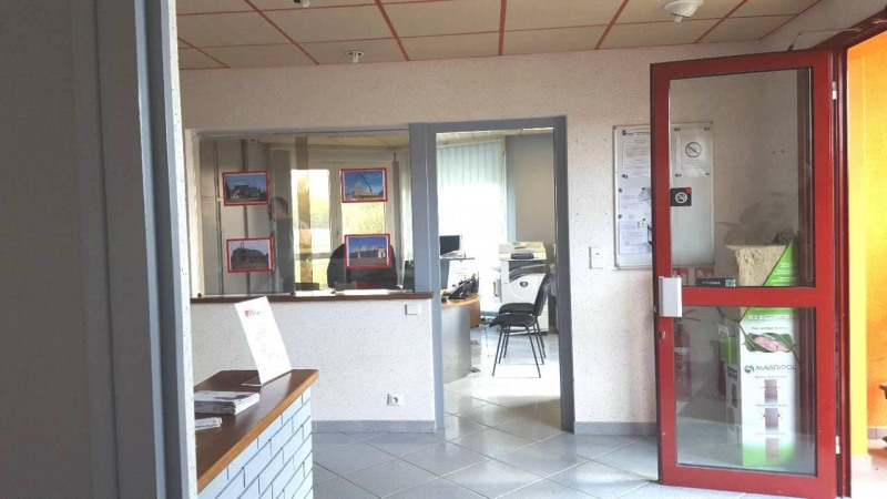 Sale empty room/storage Branges 295000€ - Picture 2