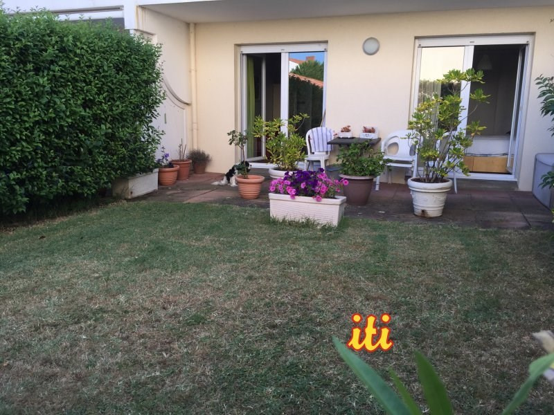 Sale apartment Les sables d olonne 147 700€ - Picture 1