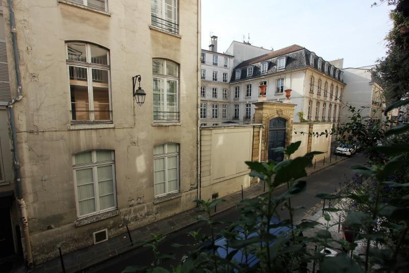 Vente local commercial Paris 3ème 1850000€ - Photo 4