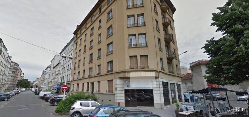 Rental apartment Lyon 7ème 835€ CC - Picture 2