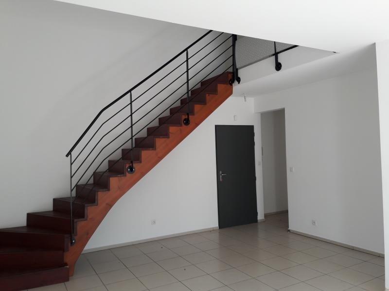Sale apartment St paul 209851€ - Picture 2