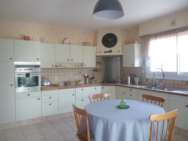 Deluxe sale house / villa Etel 719000€ - Picture 3