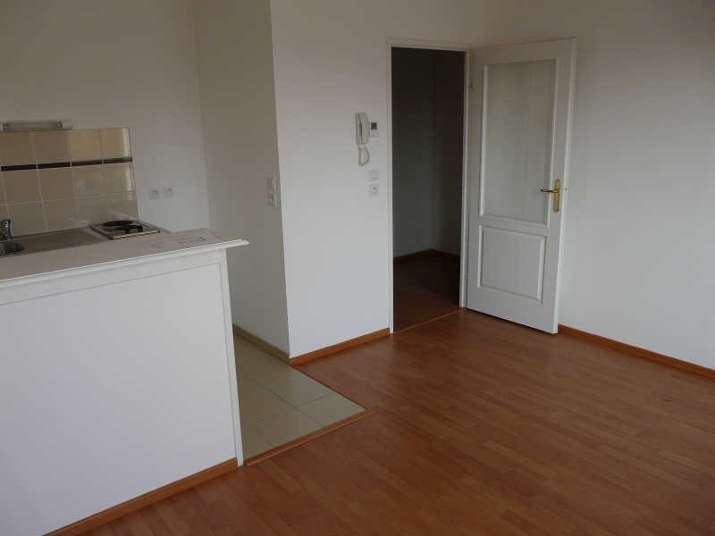 Rental apartment St omer 465€ CC - Picture 3