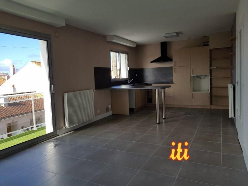 Sale apartment Les sables d olonne 278000€ - Picture 1