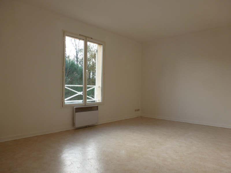 Rental apartment Maurepas 797€ CC - Picture 2