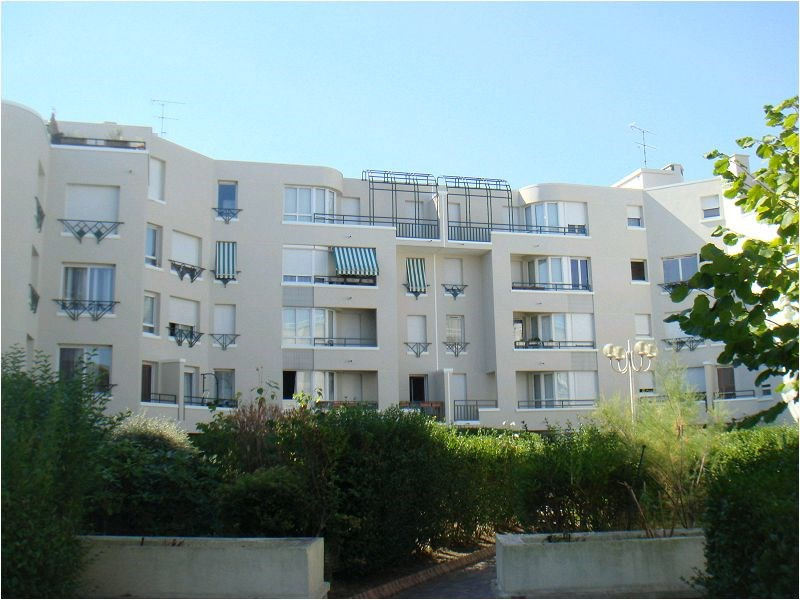 Rental apartment Viry chatillon 945€ CC - Picture 1