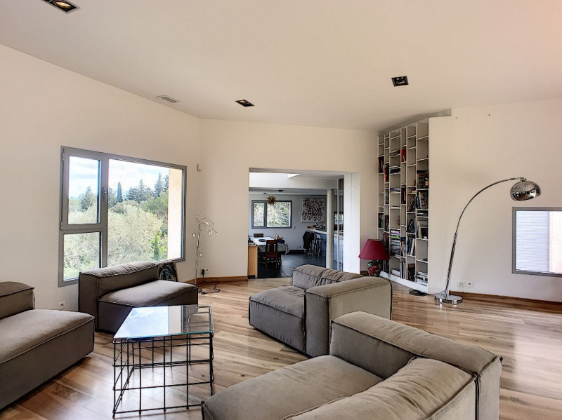Deluxe sale house / villa Villeneuve les avignon 1060000€ - Picture 1