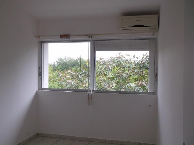 Rental apartment Le gosier 750€ CC - Picture 3
