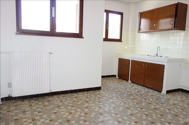 Rental apartment Hyeres 550€ CC - Picture 3