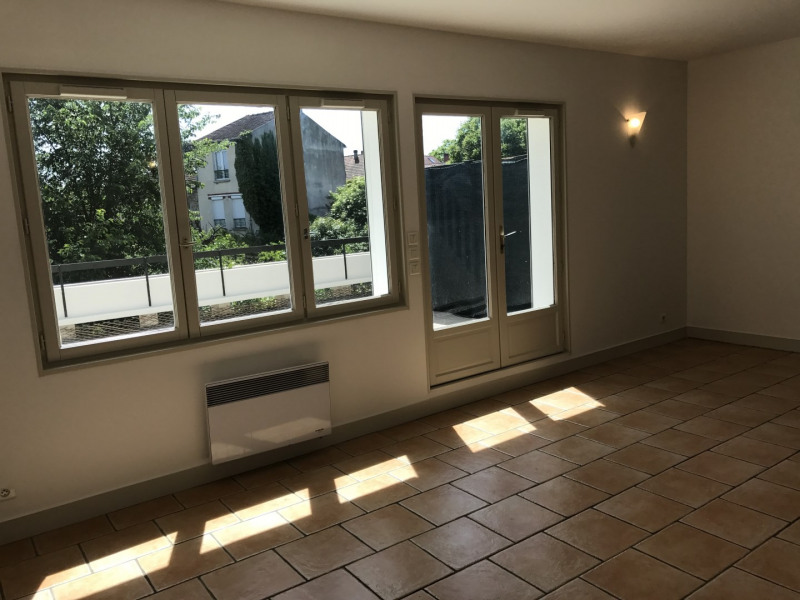 Rental apartment Garches 1720€ CC - Picture 2