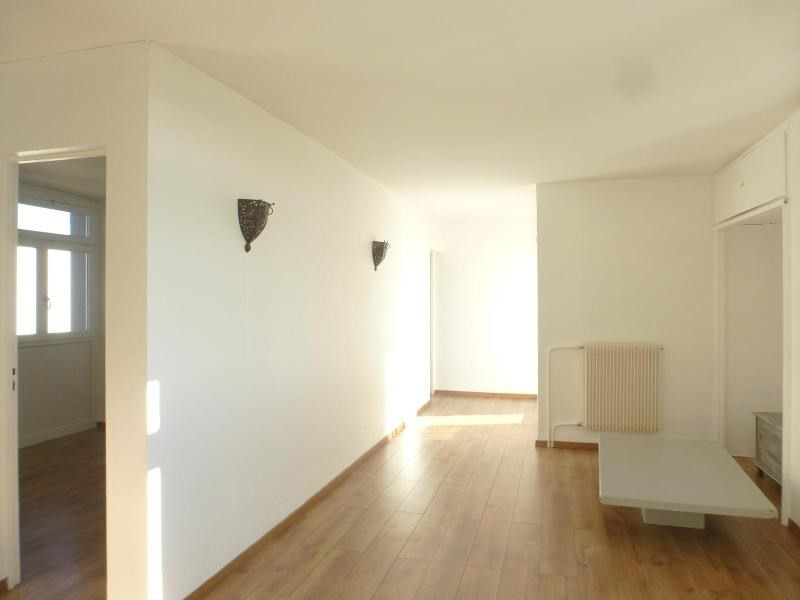 Location appartement Aix en provence 827€ CC - Photo 2