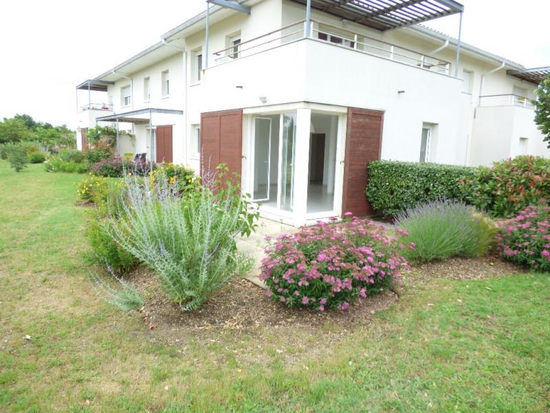 Rental apartment Saint loubes 705€ CC - Picture 1