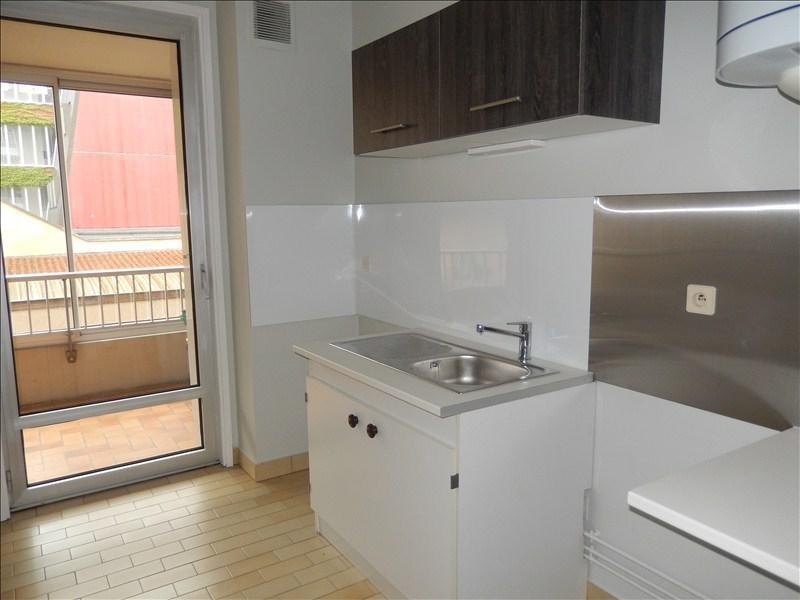 Location appartement Le puy en velay 366,75€ CC - Photo 2