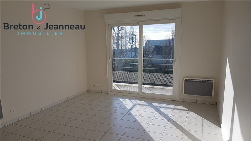 Location appartement Le bourgneuf la foret 397€ CC - Photo 1