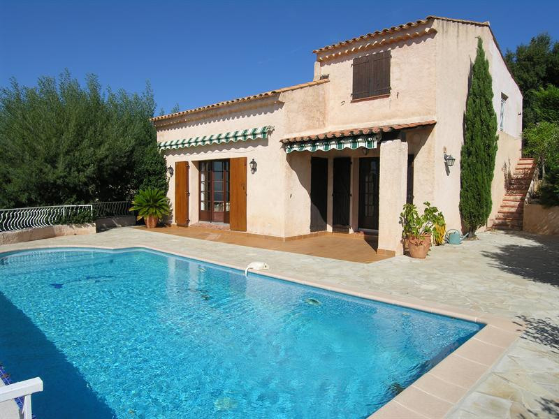 Vacation rental house / villa Les issambres 2 640€ - Picture 1
