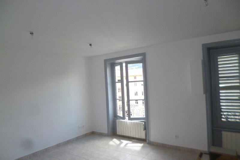 Location appartement Tarare 425€ CC - Photo 4