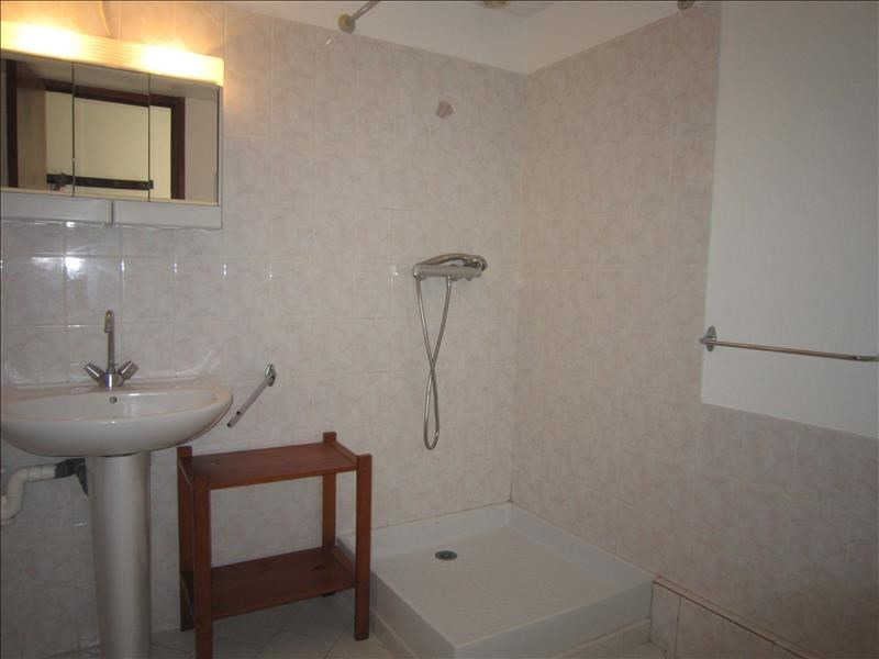 Rental apartment Coux et bigaroque 608€ CC - Picture 5