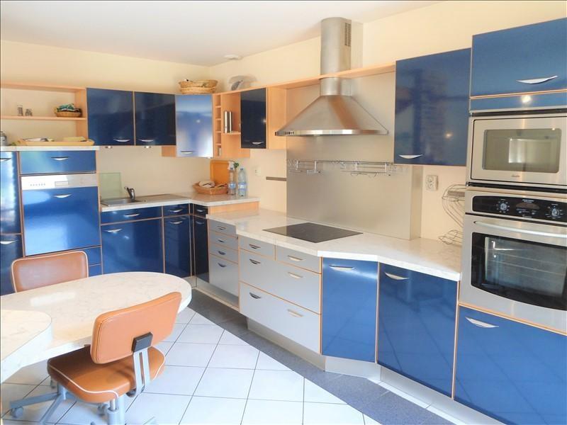Sale house / villa Barjouville 390350€ - Picture 3