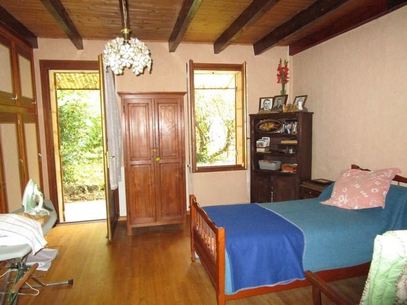 Sale house / villa Menesplet 81000€ - Picture 3