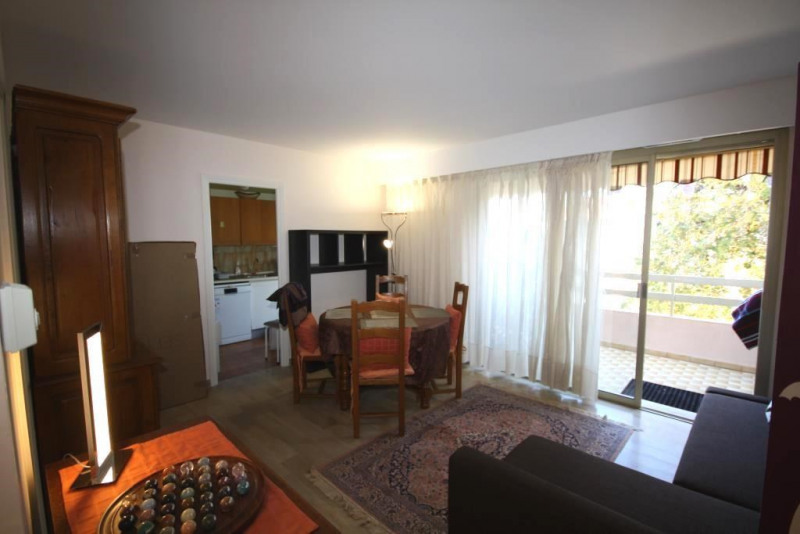 Rental apartment Antibes 960€ CC - Picture 3