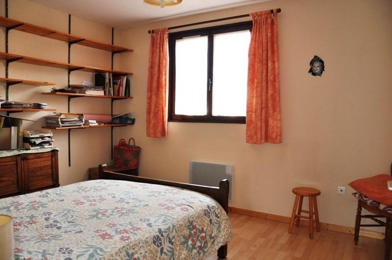 Sale house / villa Pommiers 235000€ - Picture 6