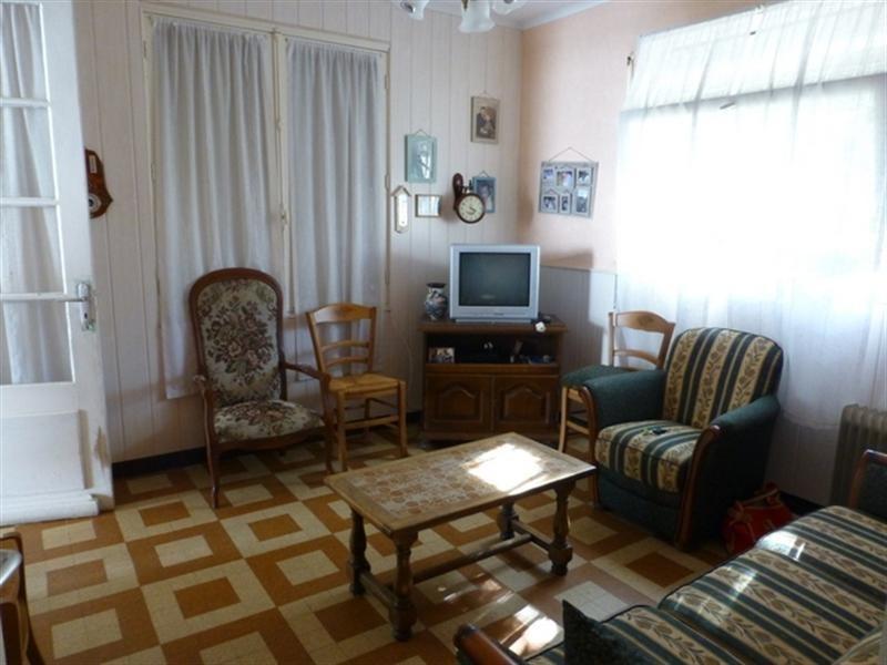 Sale house / villa Saint-jean-d'angély 122000€ - Picture 5