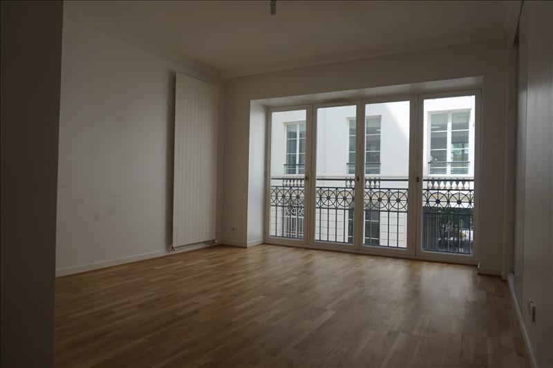 Rental apartment Paris 9ème 3430€ CC - Picture 2