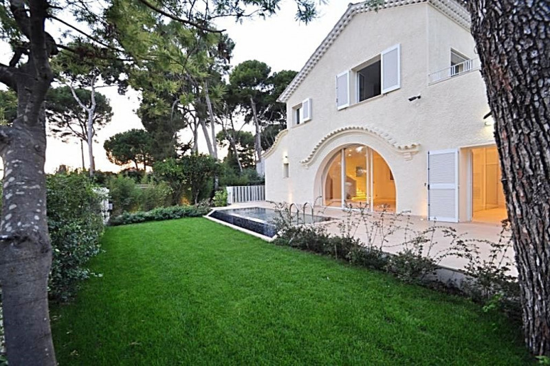 Deluxe sale house / villa Cap d'antibes 2 150 000€ - Picture 3