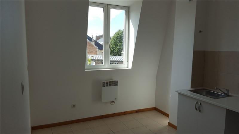 Location appartement St quentin 375€ CC - Photo 2