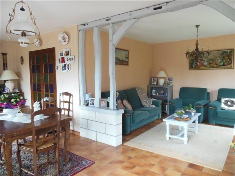 Sale house / villa Montmain 220000€ - Picture 4