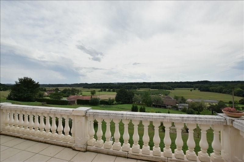 Sale house / villa Mazerolles 276000€ - Picture 2