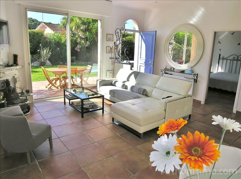 Deluxe sale house / villa Antibes 995 000€ - Picture 5