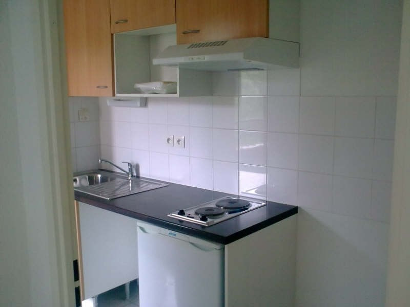 Rental apartment St lys 450€ CC - Picture 3