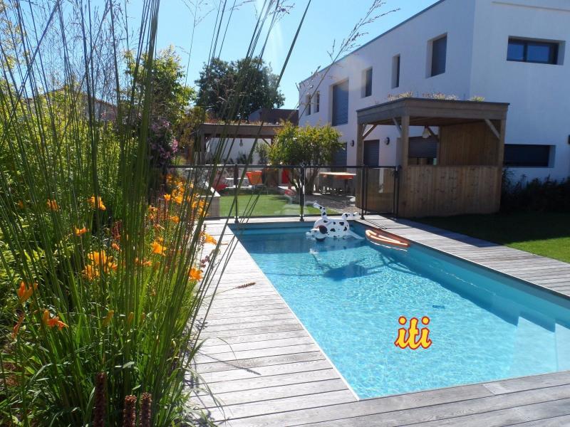Deluxe sale house / villa Chateau d olonne 774000€ - Picture 1