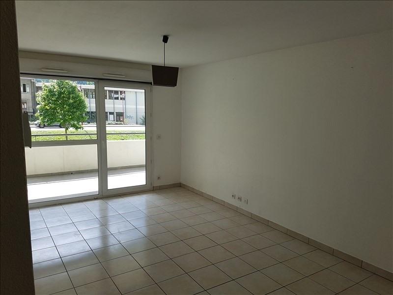Location appartement Magland 720€ CC - Photo 2
