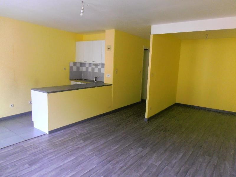 Location appartement Nantua 294€ CC - Photo 1