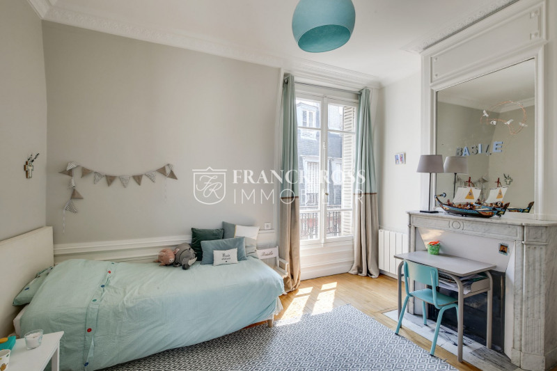 Location appartement Paris 17ème 5 500€ CC - Photo 11
