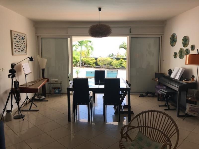 Deluxe sale house / villa St gilles les bains 680000€ - Picture 1