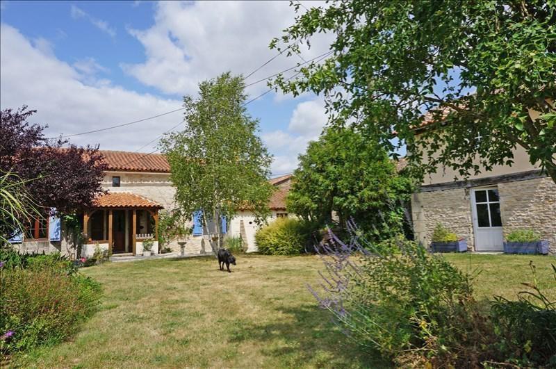 Vente maison / villa Sauzé-vaussais 279000€ - Photo 2