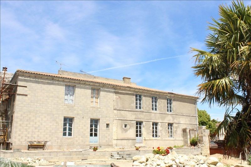 Sale house / villa Thaire 326120€ - Picture 1