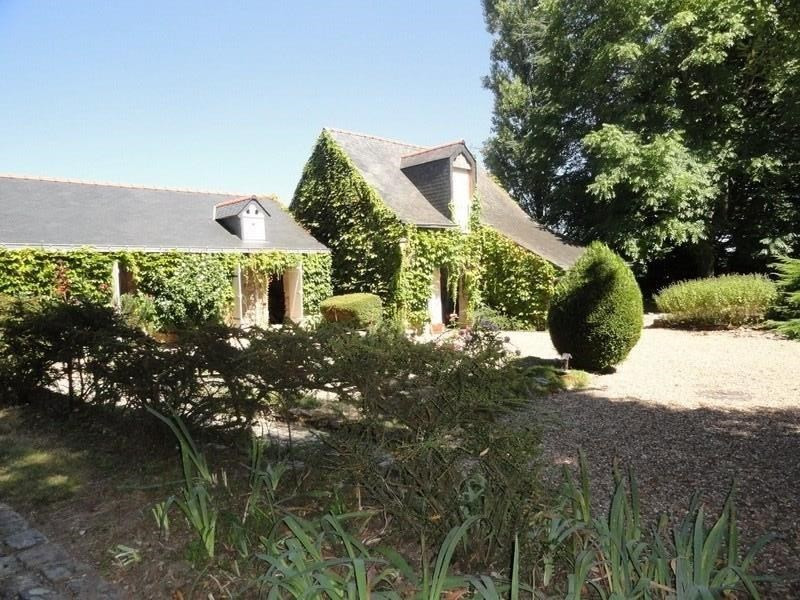 Deluxe sale house / villa Angers 20 mn 330 000€ - Picture 1