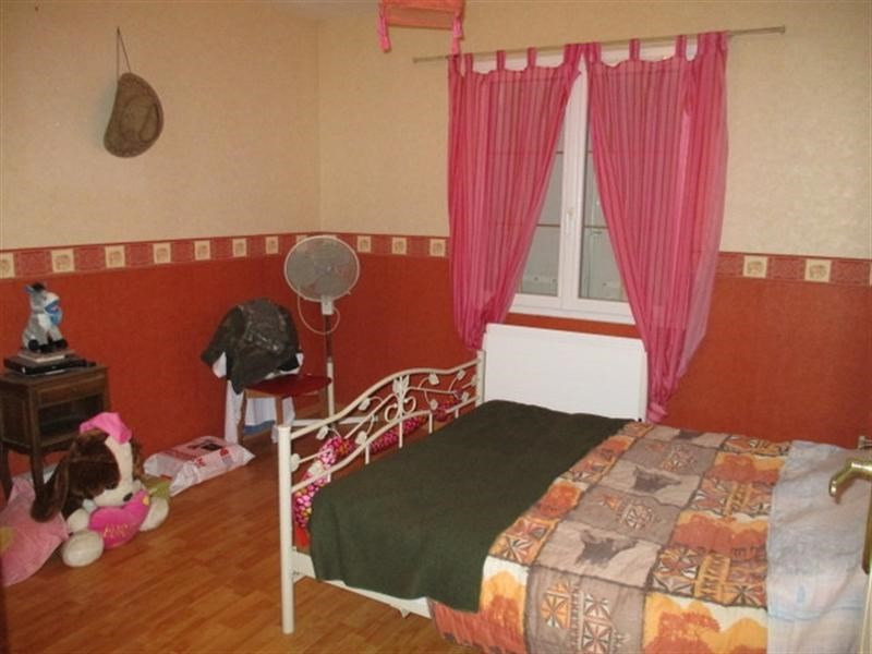 Sale house / villa St pierre de l ile 162500€ - Picture 5
